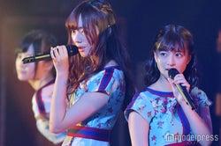 梅澤美波、吉田綾乃クリスティー(C)モデルプレス