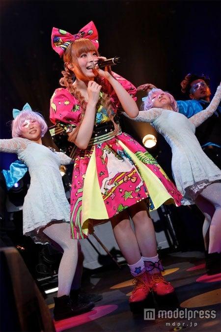 ワールドツアーのパリ公演を開催したきゃりーぱみゅぱみゅ PHOTO by 石井亜希