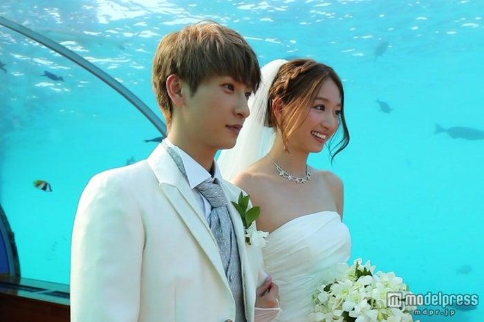 幻想的な水中ウエディング(C)NTV