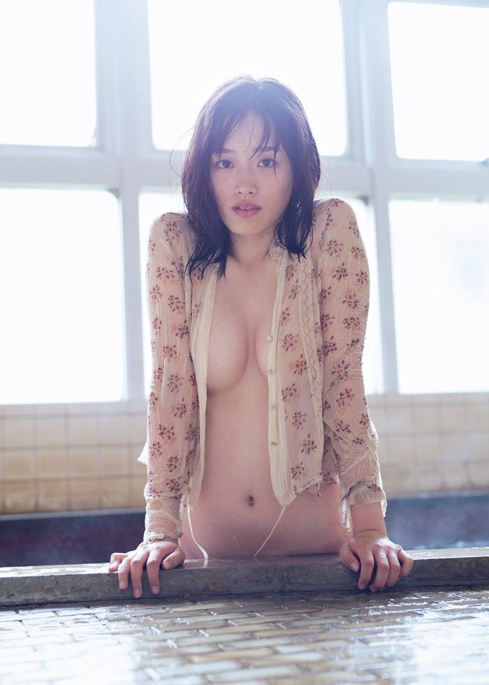 清水綾乃(C)佐藤裕之/週刊プレイボーイ