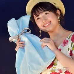 元AKB48大和田南那、夏のお嬢さんコーデで登場 キュートな笑顔全開<札幌コレクション2018>