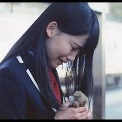 小嶋真子/AKB48「Green Flash」MVより(C)AKS