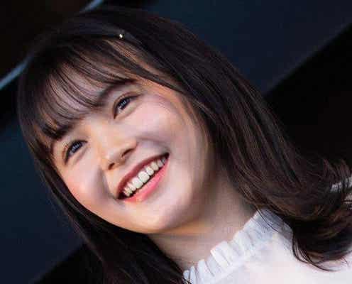 """久間田琳加、""""まるで恋人目線""""のカフェSHOTに「一緒にお茶したい…」「恋してるみたいな表情…」"""