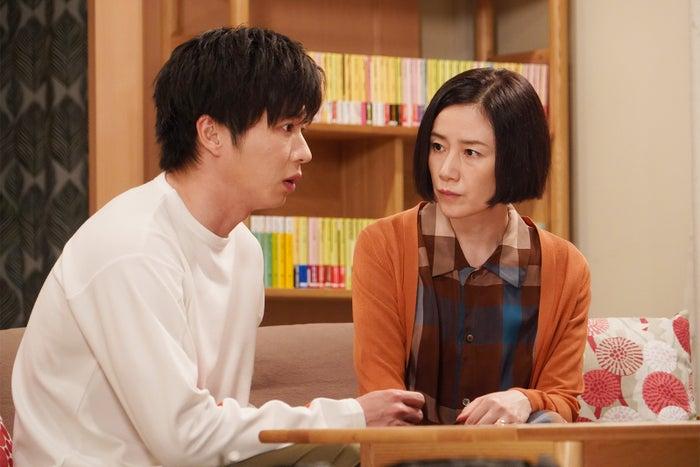 田中圭、原田知世/「あなたの番です」第8話より(C)日本テレビ