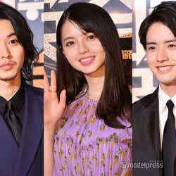 (左から)山崎賢人、齋藤飛鳥、赤楚衛二(C)モデルプレス