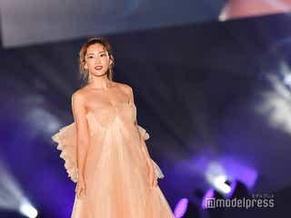 紗栄子、美バスト際立つリボンドレス&艶めく瞳に会場うっとり 熊本復興への思い明かす<TGC熊本2019>