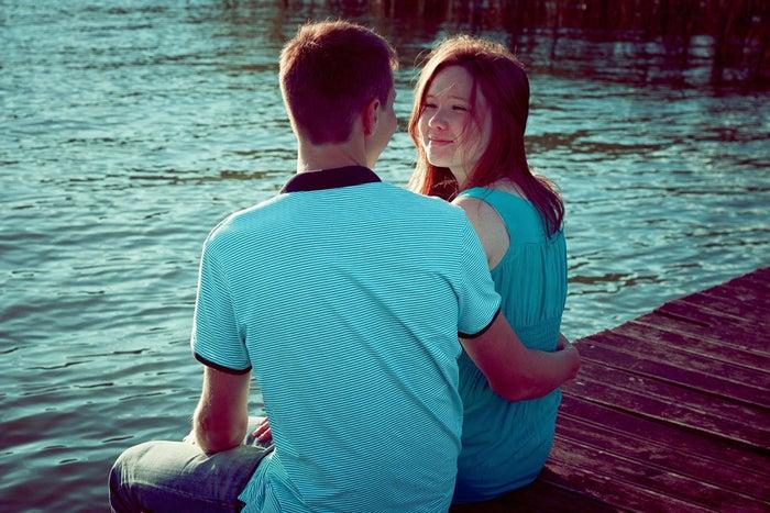 【無口な男性と仲良くなる方法2】ムリに話を振らない/photo by GAHAG