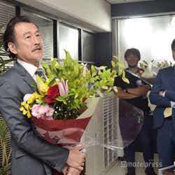 スピーチをする吉田鋼太郎。(C)モデルプレス