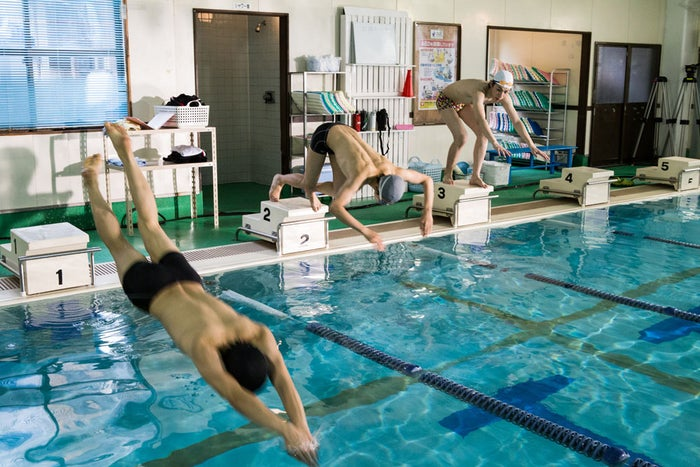 ガチで泳いでます!(C)男水!製作委員会