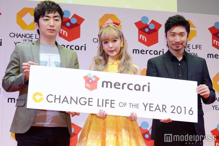 (左より)羽田圭介、藤田ニコル、MAKIDAI(C)モデルプレス
