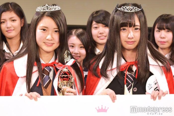 日本一のかわいい女子高生を決めるミスコン<中国四国地方/グランプリ:はづぷんさん(左)&準グランプリ:あいなさん(右)>(C)モデルプレス