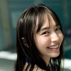 モデルプレス - 井桁弘恵、鮮烈グラビア披露でオトナな魅力 水着姿も