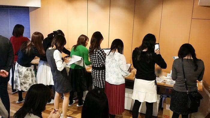 審査会に参加した美食女子たち/画像提供:FOODEX JAPAN 広報事務局