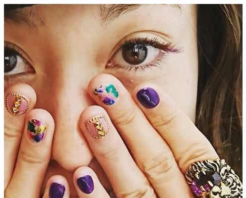 子育て奮闘中の西山茉希「1年以上ぶり」美容ケアに反響
