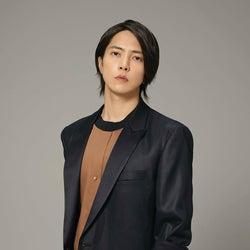 山下智久、自身初の世界楽曲タイアップ決定「THE HEAD」エンディングテーマ担当