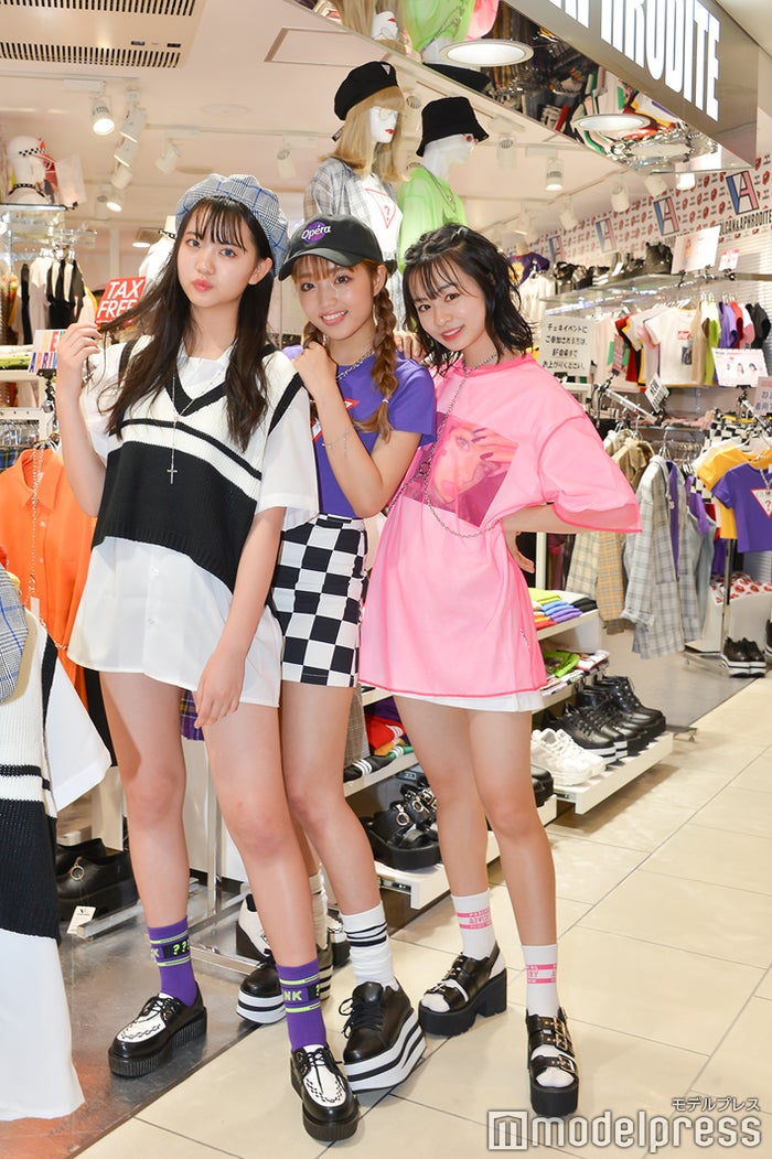 (左から)ゆあてぃー・ねお・りこりこ(C)モデルプレス