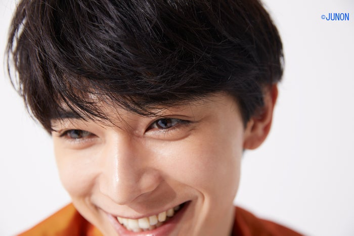 吉沢亮/「JUNON」9月号より(画像提供:主婦と生活社)
