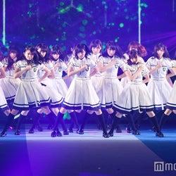 """欅坂46「サイマジョ」「せかあい」歌唱に3万人熱狂 会場が""""緑""""一色に<GirlsAward 2016 A/W>"""