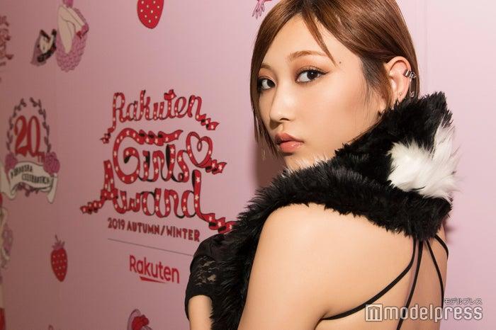 モデルプレスのインタビューに応じた、志田愛佳(C)モデルプレス
