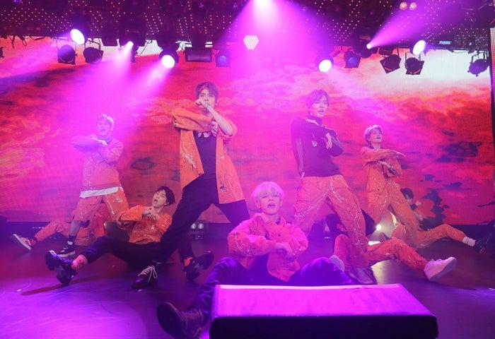 NCT 127(左から)マーク、ジョニー、ジェヒョン、テヨン、ユウタ、テイル(提供写真)