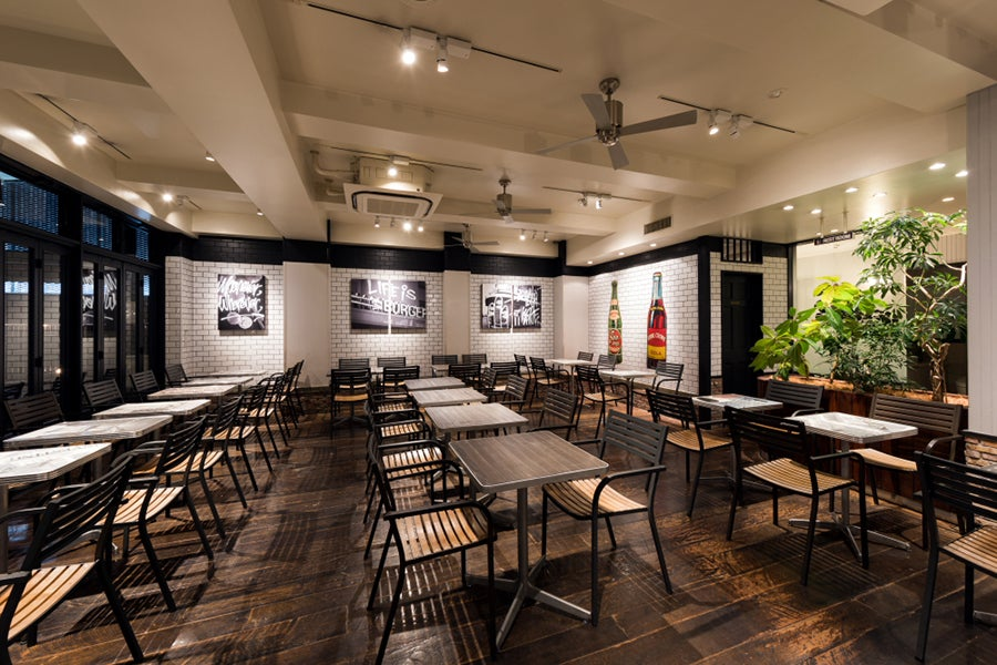 J.S. BURGERS CAFE 店内