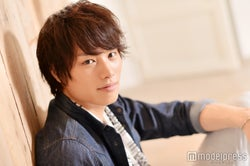 モデルプレスのインタビューに応じた鈴木伸之(C)モデルプレス