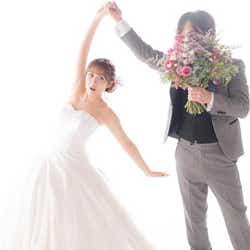 モデルプレス - 高橋みなみ、夫とのウェディングショット公開 祝福に感謝