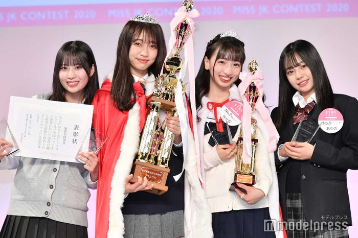 (左から)東原優希さん、ひっかさん、ゆーなさん、あやのさん(C)モデルプレス