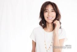 小泉里子、うるおいボディの秘密とは?秋冬のこだわり美容を語る<インタビュー>