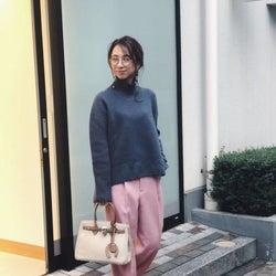 大人が着るから可愛い!一点投入の「ピンク」で仕上げる、冬のモテコーデ
