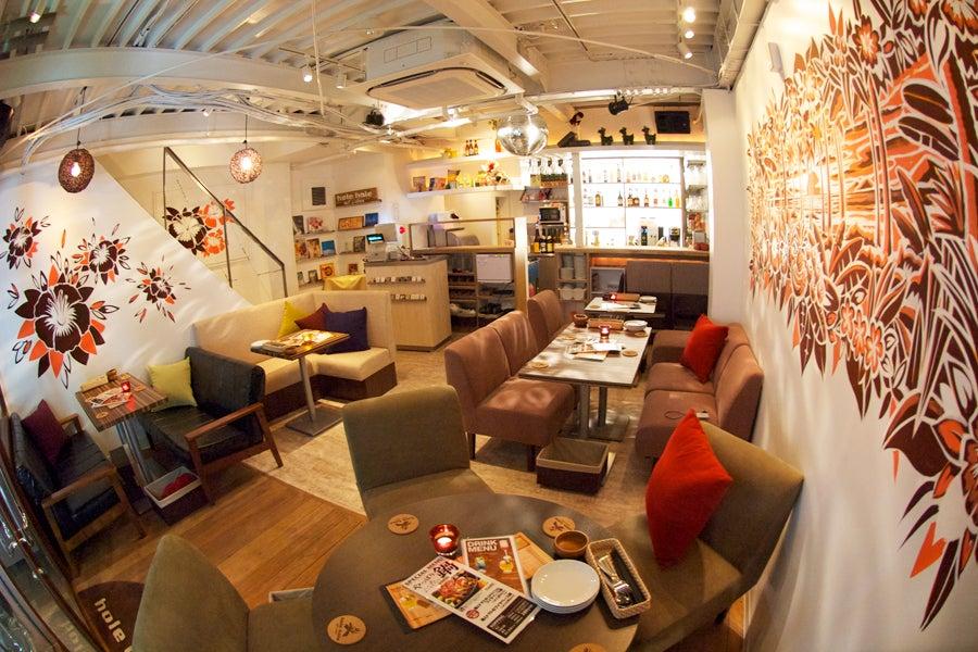 hole hole cafe&diner 店内
