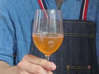 知らないの? いま世界中で大流行している「オレンジワイン」について