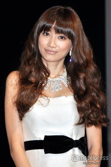 「東京ガールズコレクション 2012A/W」への出演が決定したヨンア