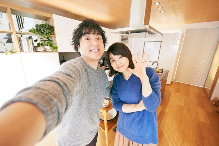 ムロツヨシ&石田ゆり子夫妻(提供写真)