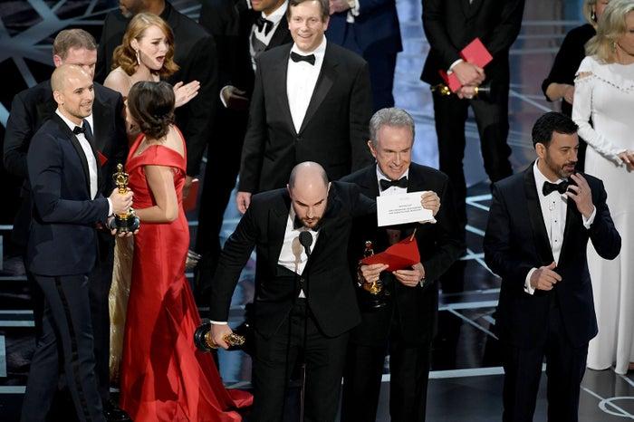 作品賞が訂正された瞬間/「ラ・ラ・ランド」エマ・ストーン困惑  第89回アカデミー賞 作品賞発表間違え、歴史的ミスでフィナーレ/photo:Getty Image