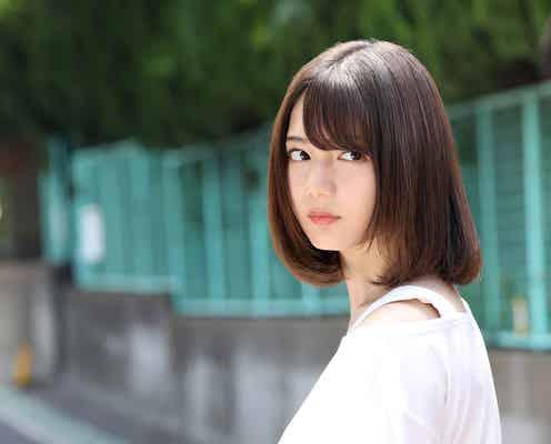 日向坂46小坂菜緒、主演映画「恐怖人形」衝撃ビジュアル解禁 全キャスト&主題歌発表