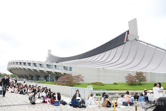 「第21回 東京ガールズコレクション2015 AUTUMN/WINTER」会場外観