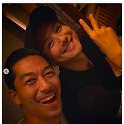 モデルプレス - EXILE・AKIRA&TAKAHIRO、密着2ショット公開「最高コンビ」の声