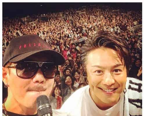 EXILE ATSUSHI、TAKAHIROと「運命のヒト」サプライズ歌唱 久々2ショットにファン歓喜