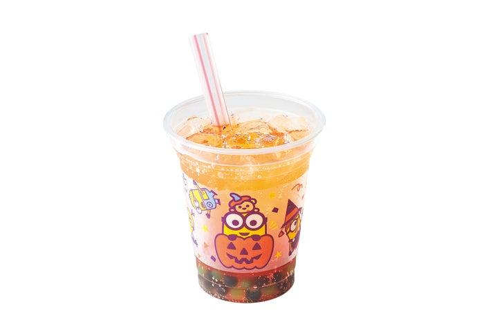 ハロウィーン・ミニオン・スプラッシュ!~ベリーゼリー&ソーダ~650円/画像提供:ユー・エス・ジェイ