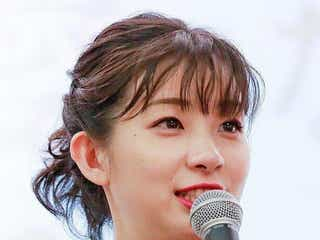 足立梨花、鮮やかヘアスタイルを公開「禰豆子カラー」「甘露寺蜜璃カラー」と話題!