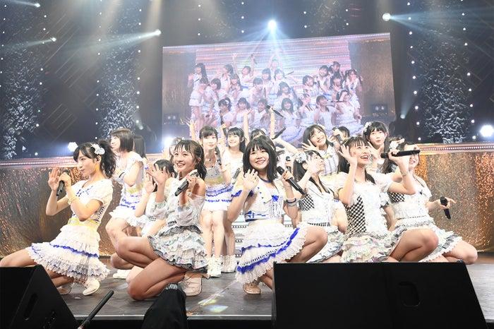 「フレッシュオールスターズコンサート~ゼロポジションの未来~」より(C)AKS