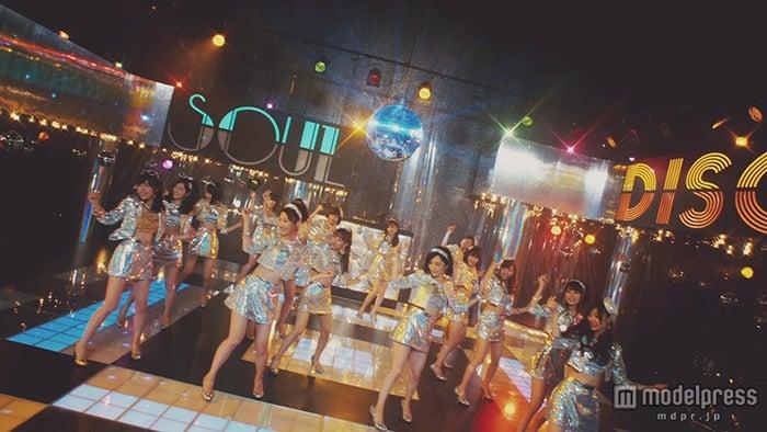 ディスコでダンス/AKB48「ハロウィン・ナイト」MVより