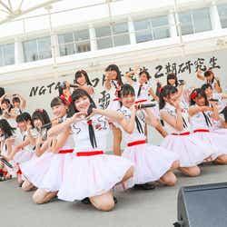 モデルプレス - NGT48、研究生21名がお披露目ライブ 感極まるメンバーも<セットリスト>