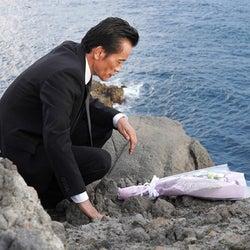 """実は高所恐怖症!遠藤憲一、高さ50mの""""断崖ロケ""""に挑む『それぞれの断崖』"""