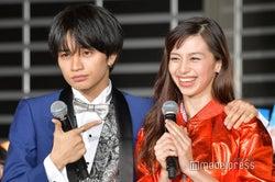 ニセカップル(!?)を演じた中島健人&中条あやみ(C)モデルプレス