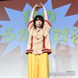 菅田将暉、前屈にチャレンジすることになり伸び(C)モデルプレス