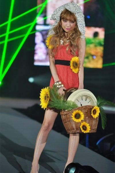 高橋真依子(「Girls Award by CROOZ blog 2011 SPRING/SUMMER」より)