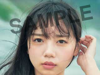 日向坂46齊藤京子、美谷間くっきりカットも ポストカード6種解禁<とっておきの恋人>