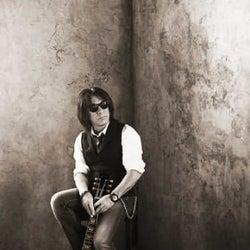 松本孝弘(B'z)、約4年振りとなるアルバム『Bluesman』のリリースが決定